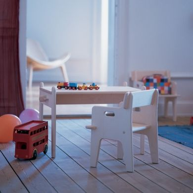 Carl Hansen & Søn A/S | CH411 Peter's Table | Children | Share Design | Home, Interior Design, Architecture, Design Ideas & Design Inspiration Blog
