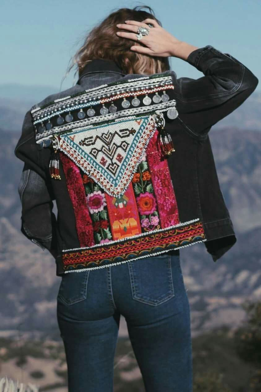 Pin By Rocio Con R On Hippy Hardrock Metall Casuall Goth Boho Jeans Boho Outfits Embellished Denim Jacket [ 1262 x 843 Pixel ]