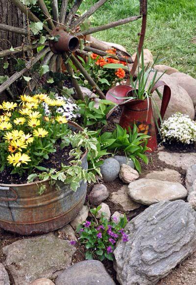 Wagon wheel garden garten pinterest g rten und h uschen for Wagenrad dekorieren