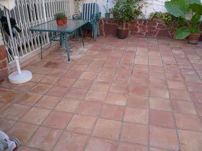 C mo limpiar suelos de baldosas de barro cocido en - Baldosas para terrazas ...