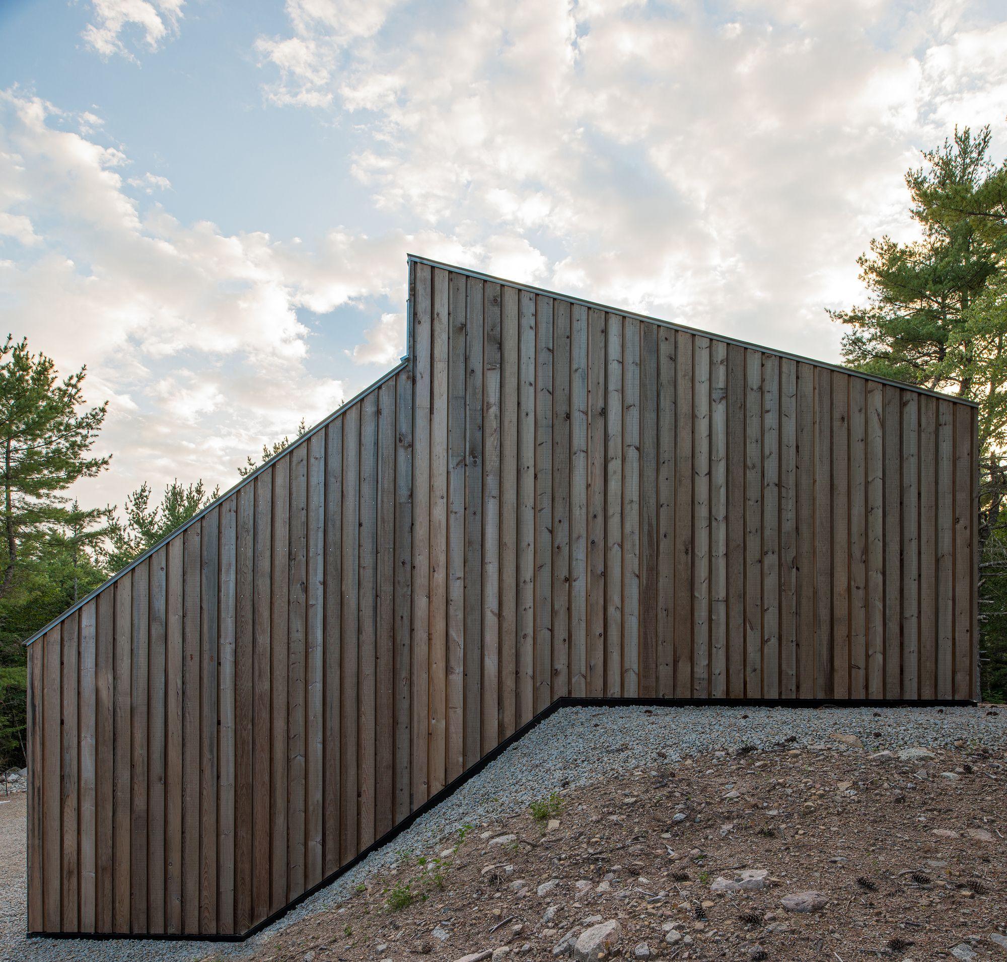 "Moore Studio, Omar Gandhi Architect, Hubbards, Nova Scotia, Canada, 2012 © Greg Richardson Photography Cite: ""Moore Studio / Omar Gandhi Architect"" 21 Sep 2012. ArchDaily. Accessed 06 Sep 2014. <http://www.archdaily.com/?p=272860>"