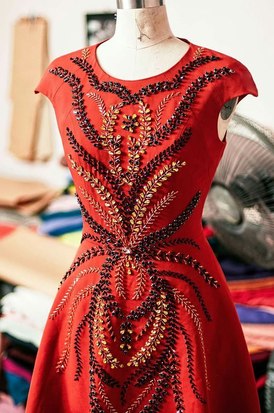 Pretty embroidery details on this dress!