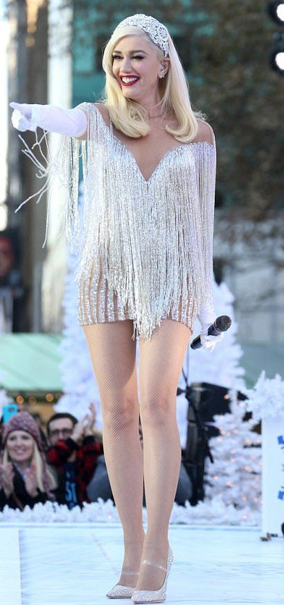 29311422c12 Gwen Stefani in Yousef Aljasmi performs for the Macy s Thanksgiving Day  Parade in NYC.  bestdressed