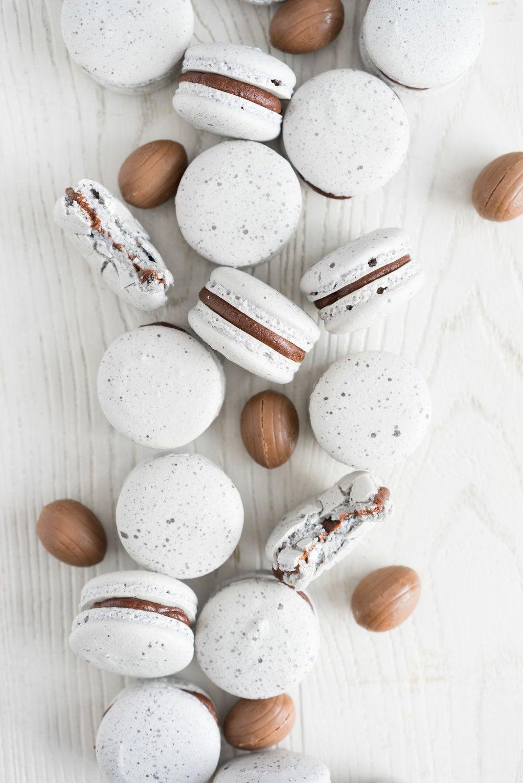 Creme Egg Macarons – Cloudy Kitchen