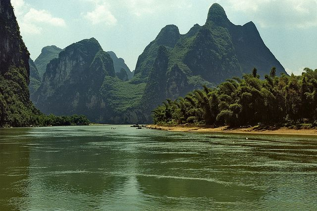 Karst landscape along the Lijiang River, near Guilin, Guanxi, China (7) by Yvon from Ottawa, via Flickr