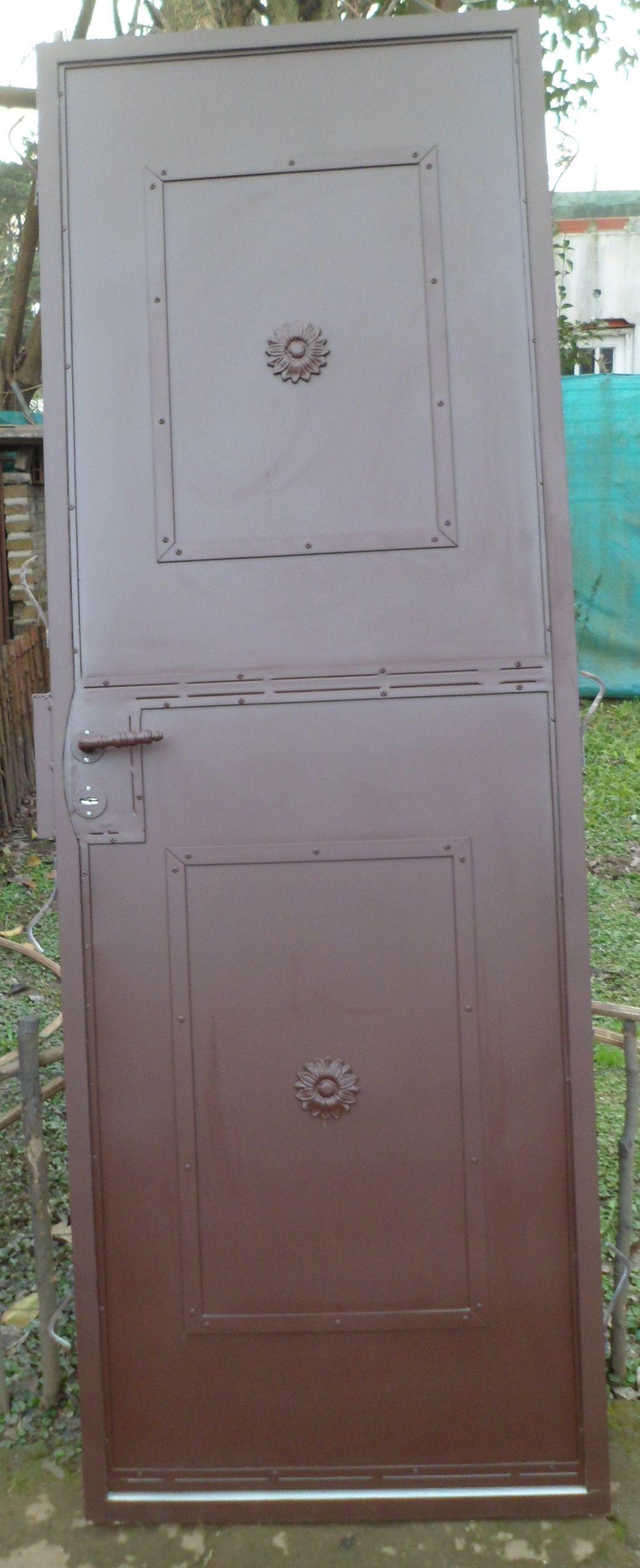 Puerta simple de chapa con marco 0,70 m x h 2,00 m | www ...