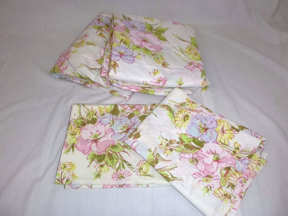 Vtg Pequot Twin Flat & Fitted w/Pillowcase Pastel Floral Flowers 50/50 Pink Blue
