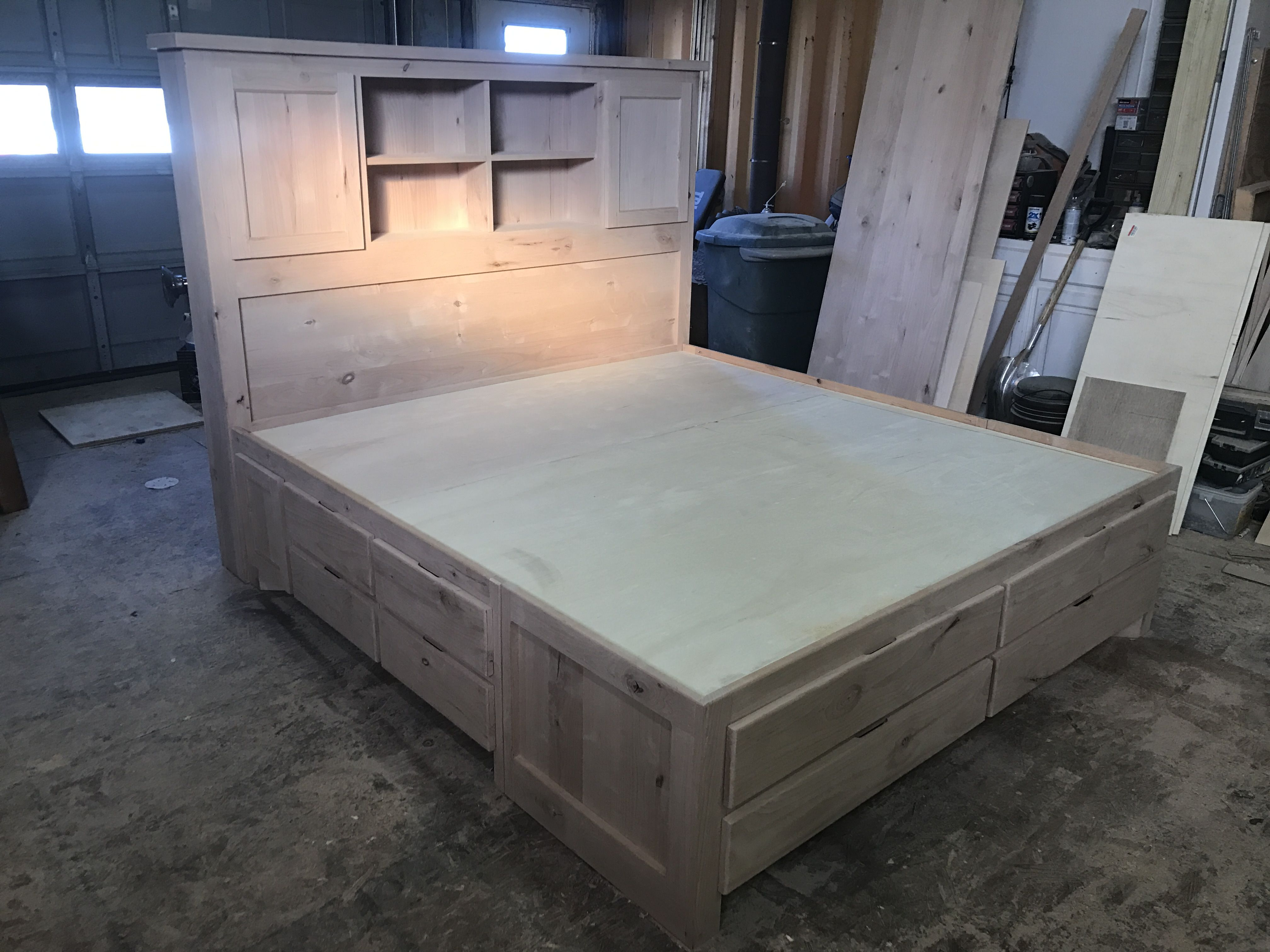 King Platform Storage Bed (rustic Alder Wood)