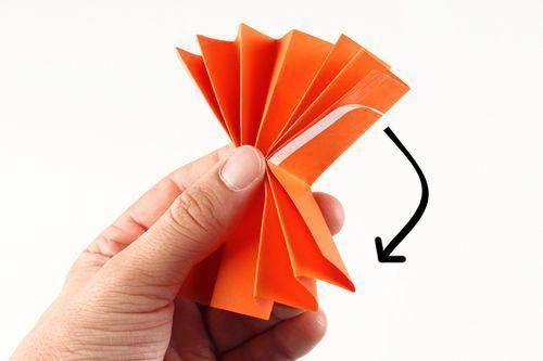 Petites citrouilles en papier - Activités enfantines - 10 Doigts