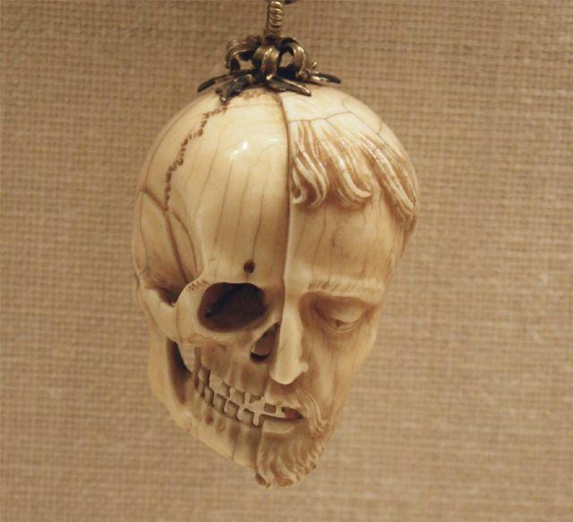 Billede fra https://575717b777ff8d928c6b-704c46a8034042e4fc898baf7b3e75d9.ssl.cf1.rackcdn.com/4837138_10-skull-artworks-depicting-death-and-memento_e433d86b_m.jpg?bg=A3845E.