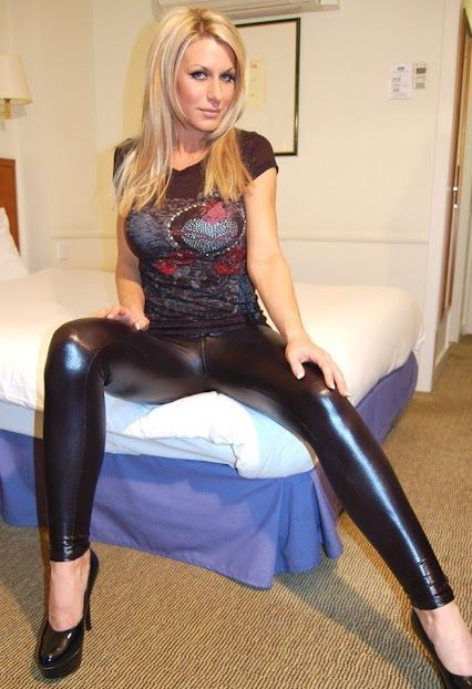 Blonde with leggins