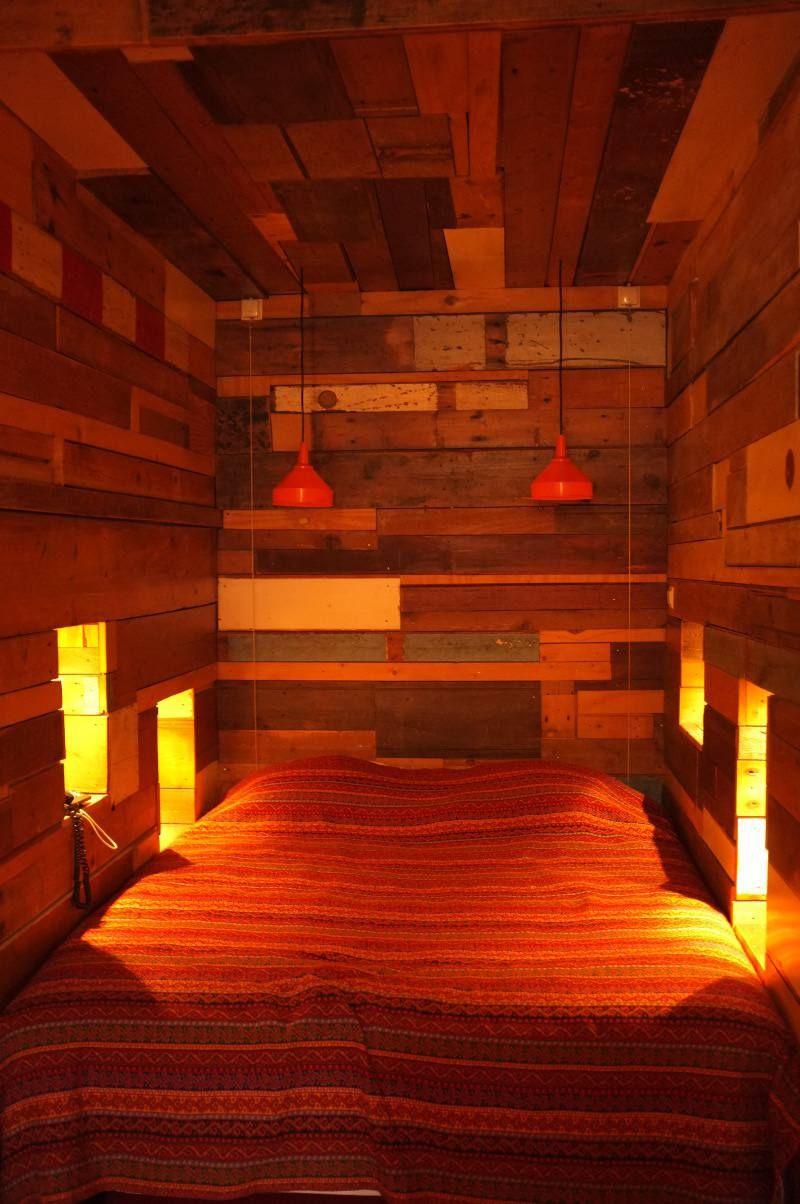 rotterdam hotel bazar chambre bois carnet d 39 int rieur. Black Bedroom Furniture Sets. Home Design Ideas
