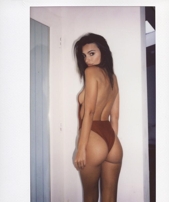 Cutie Emily Ratajkowski Ass Pictures 1