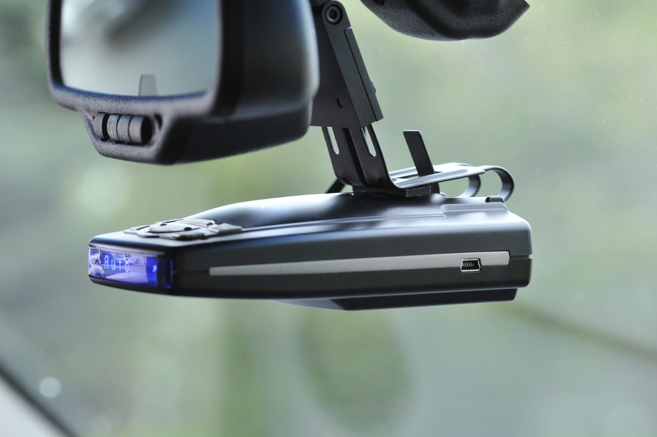 Best Radar Detector 2019 - Top 10 Cost Savers For Long Journey