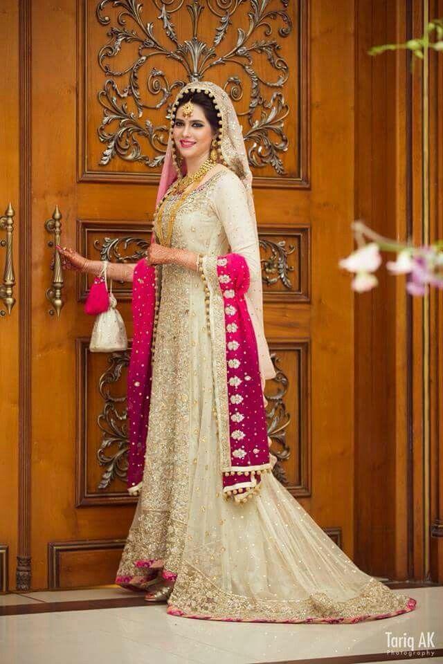 Pakistani Bride ♡ ❤ ♡ Pakistani Wedding Dress, Pakistani Style ...