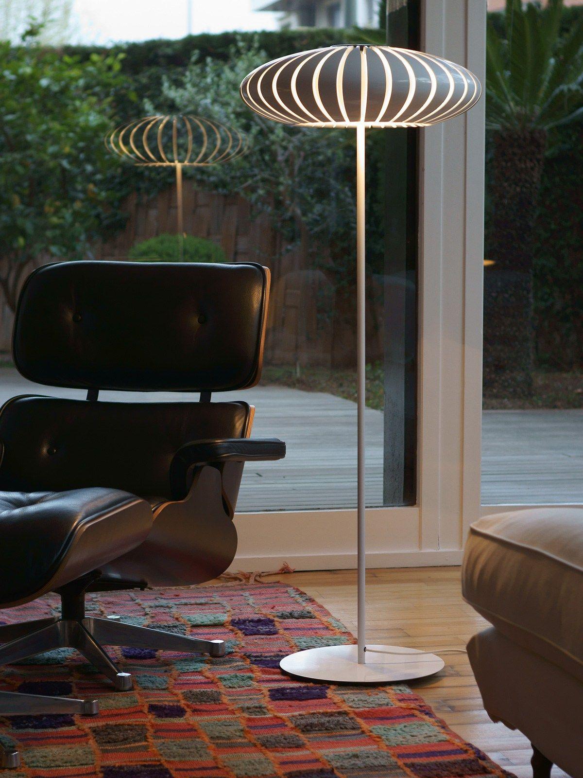 Stehleuchte Maranga P für tolle Licht und Schatten Effekte lamp lampen