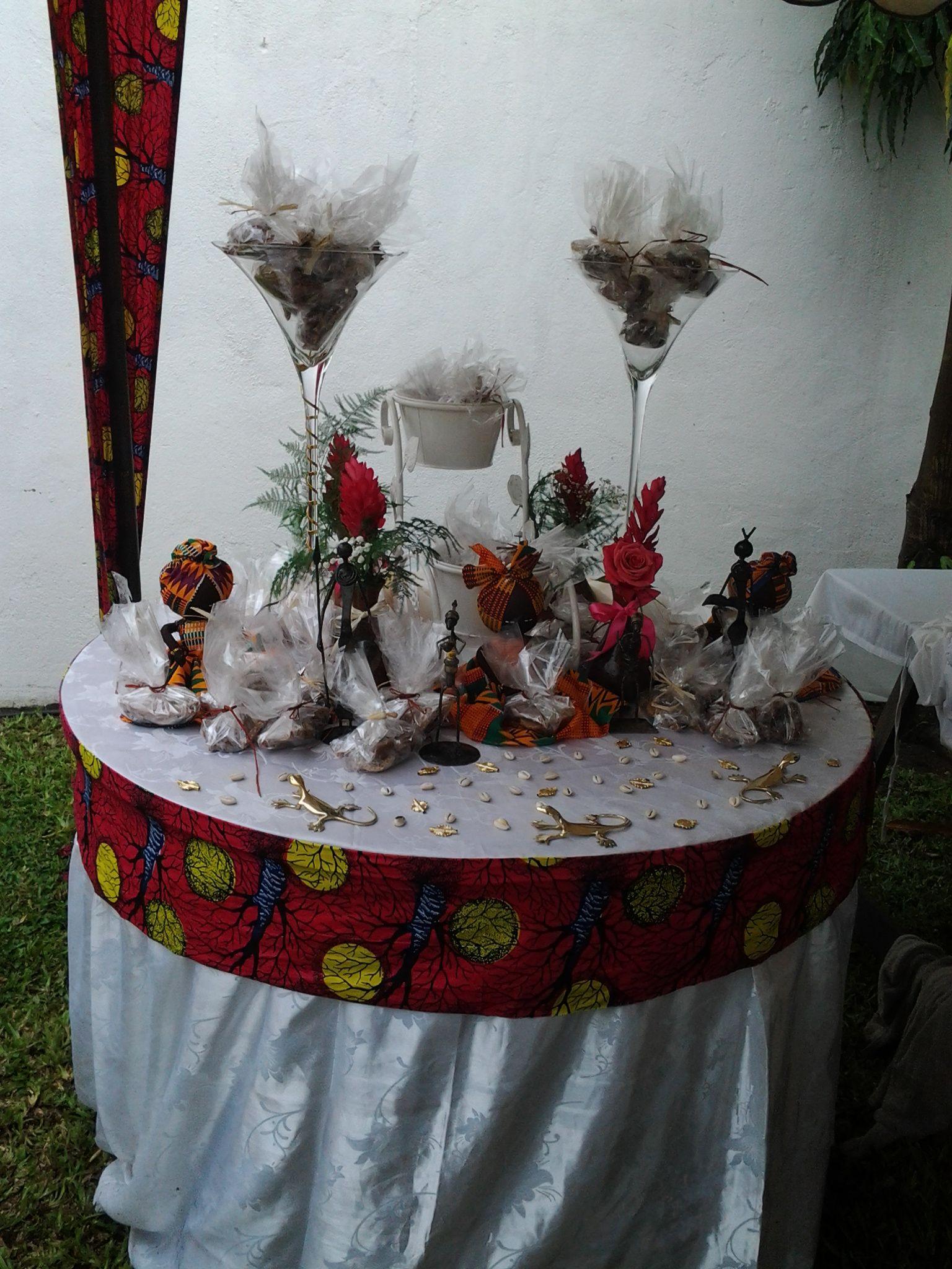 Decoration mariage coutumier en plein air - Decoration mariage traditionnel ...