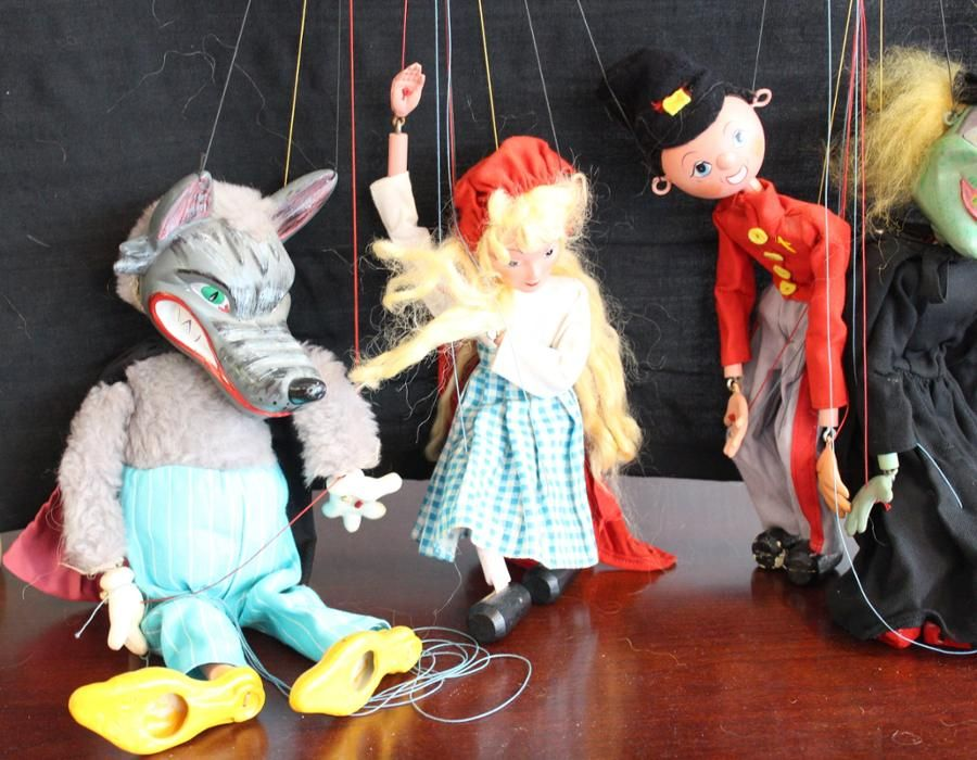 Lot of 5 Pellham Puppets and Theatre - Simco Galleria