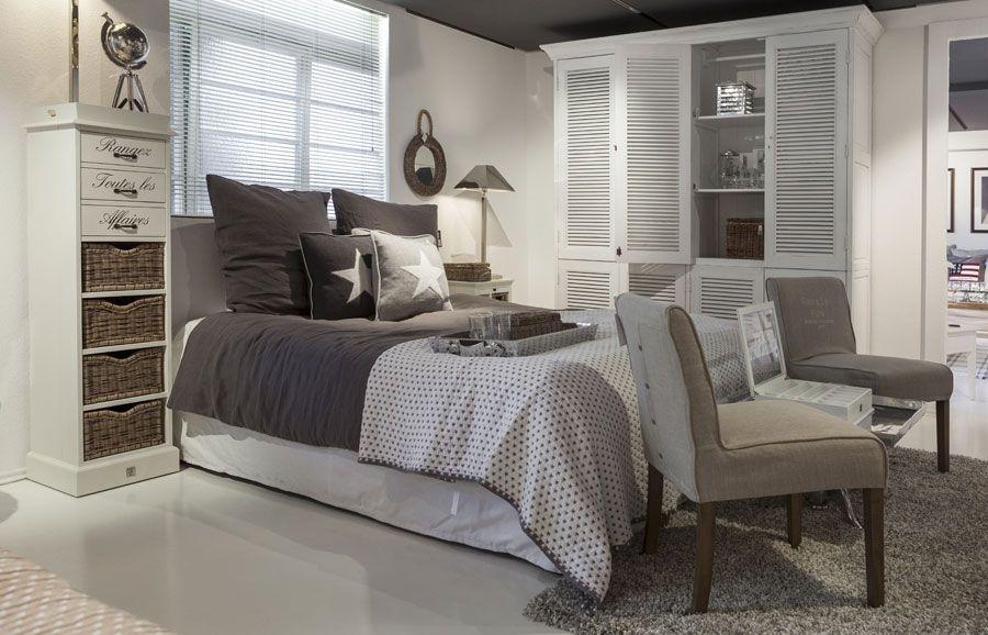 pin von alyssa kettunen auf my crib pinterest schlafzimmer wohnen und haus. Black Bedroom Furniture Sets. Home Design Ideas