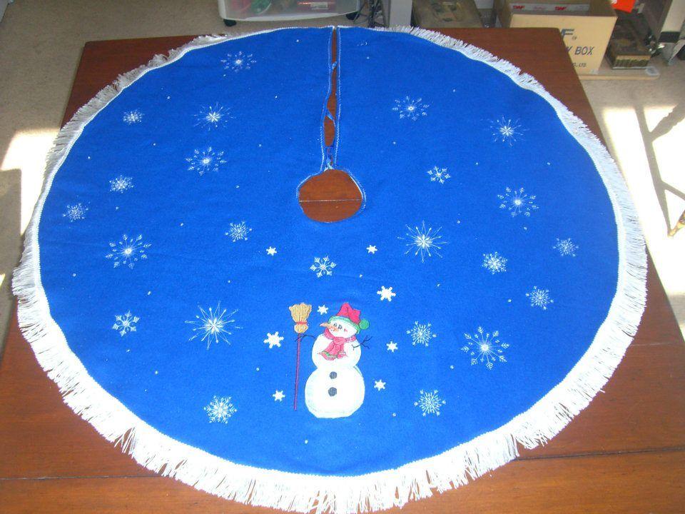 Snowman Tree Skirt Snowman tree, Tree skirts, Christmas tree