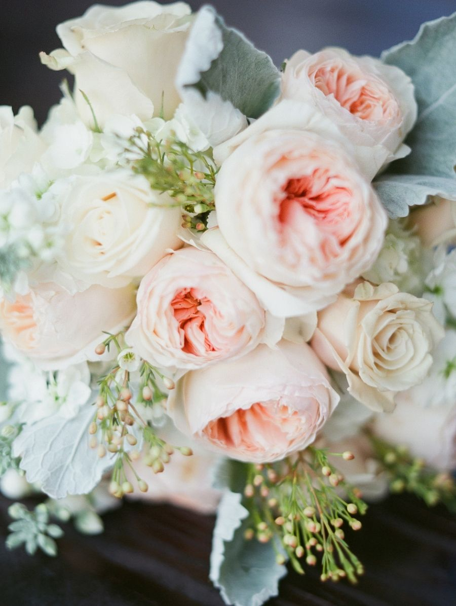 Photography: Simply Sarah Photography - simplysarah.me   Read More on SMP: http://www.stylemepretty.com/2015/07/13/intimate-southern-wedding-centered-around-family/