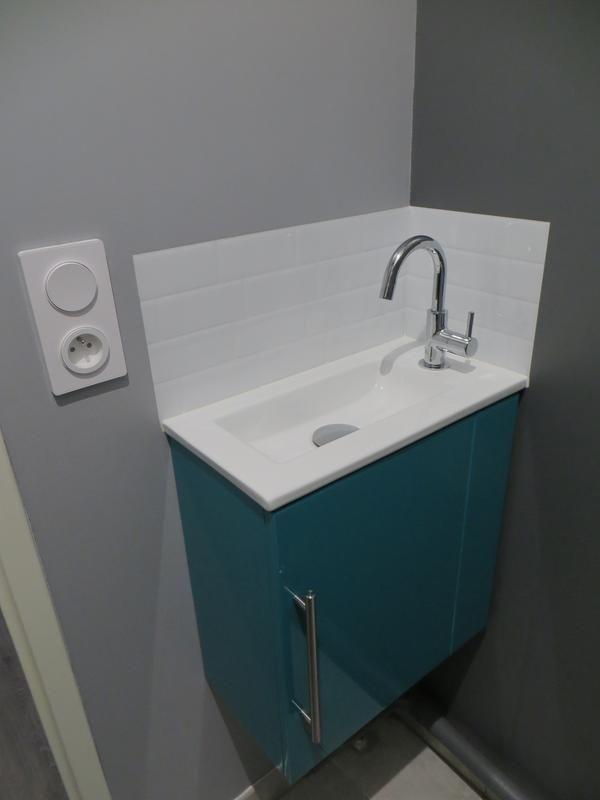 Metro Blanco X6 Small Toilet Room Tiny Bathrooms Small Toilet