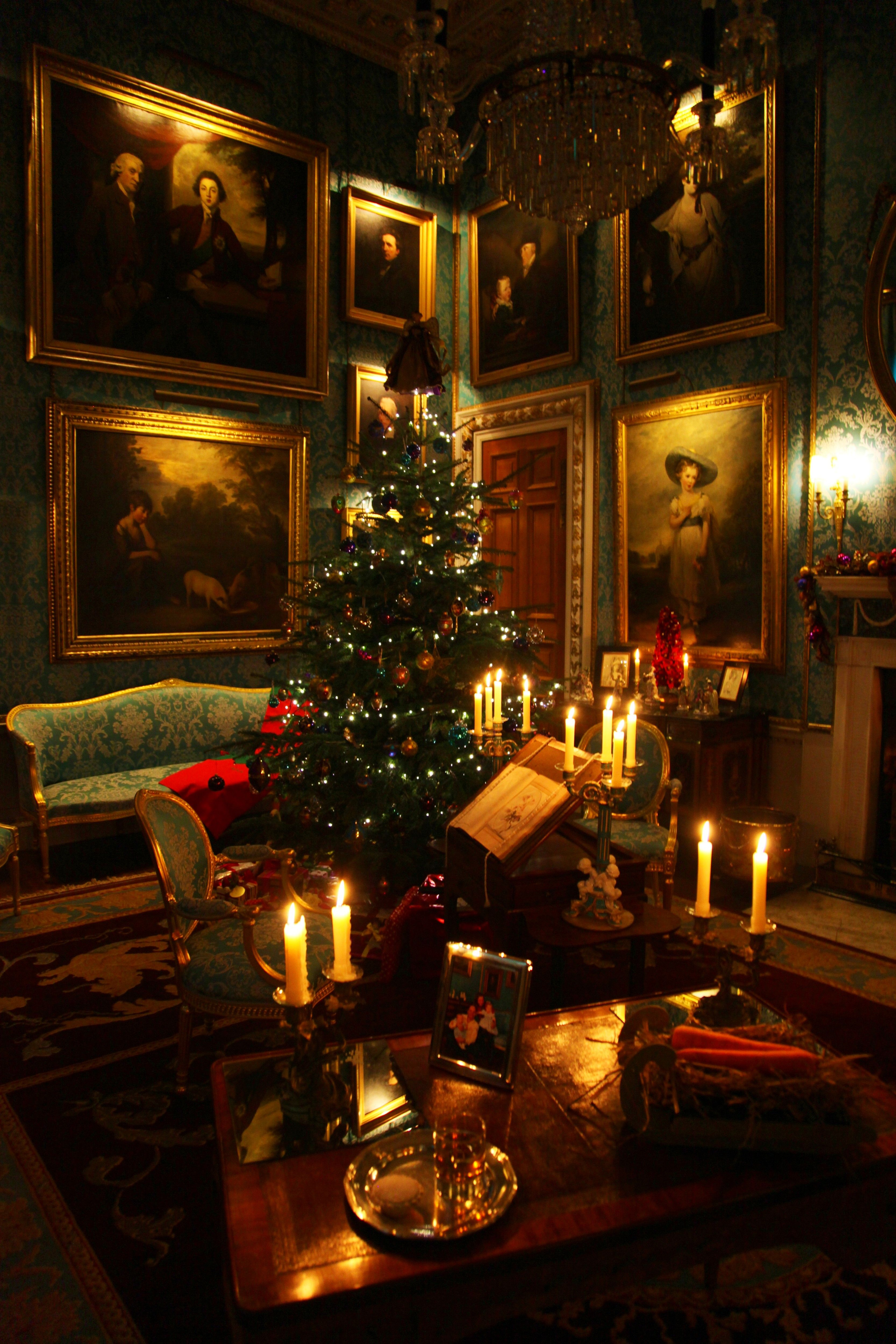 Christmas At Castle Howard Christmas Decorations Living Room Decorating With Christmas Lights Christmas Decorations Apartment