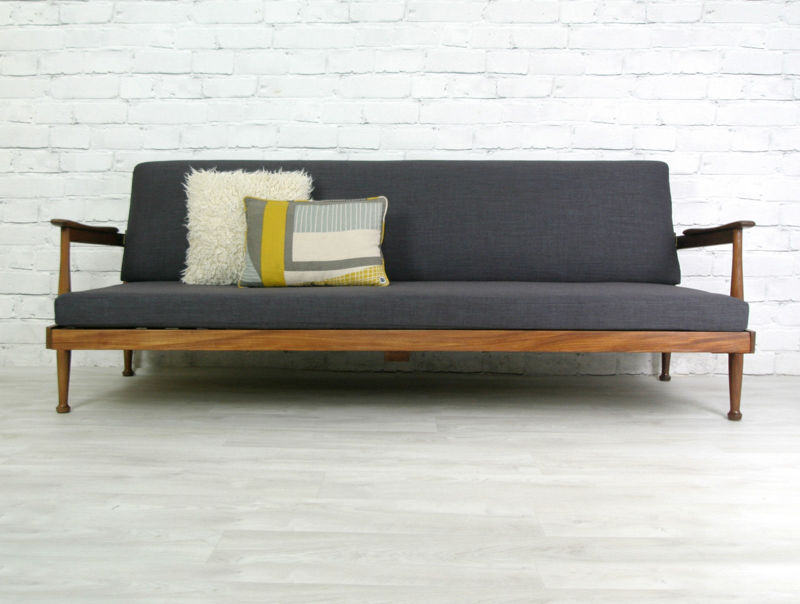 GUY ROGERS RETRO VINTAGE TEAK MID CENTURY DANISH STYLE SOFA BED