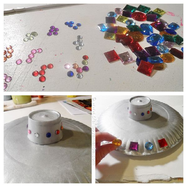 Make a fun paper plate flying saucer from CraftsbyAmanda.com @amandaformaro NEEDED 2 paper plates 1 Styrofoam coffee cup Silver acrylic paint Craft jewels ... & Make a fun paper plate flying saucer from CraftsbyAmanda.com ...