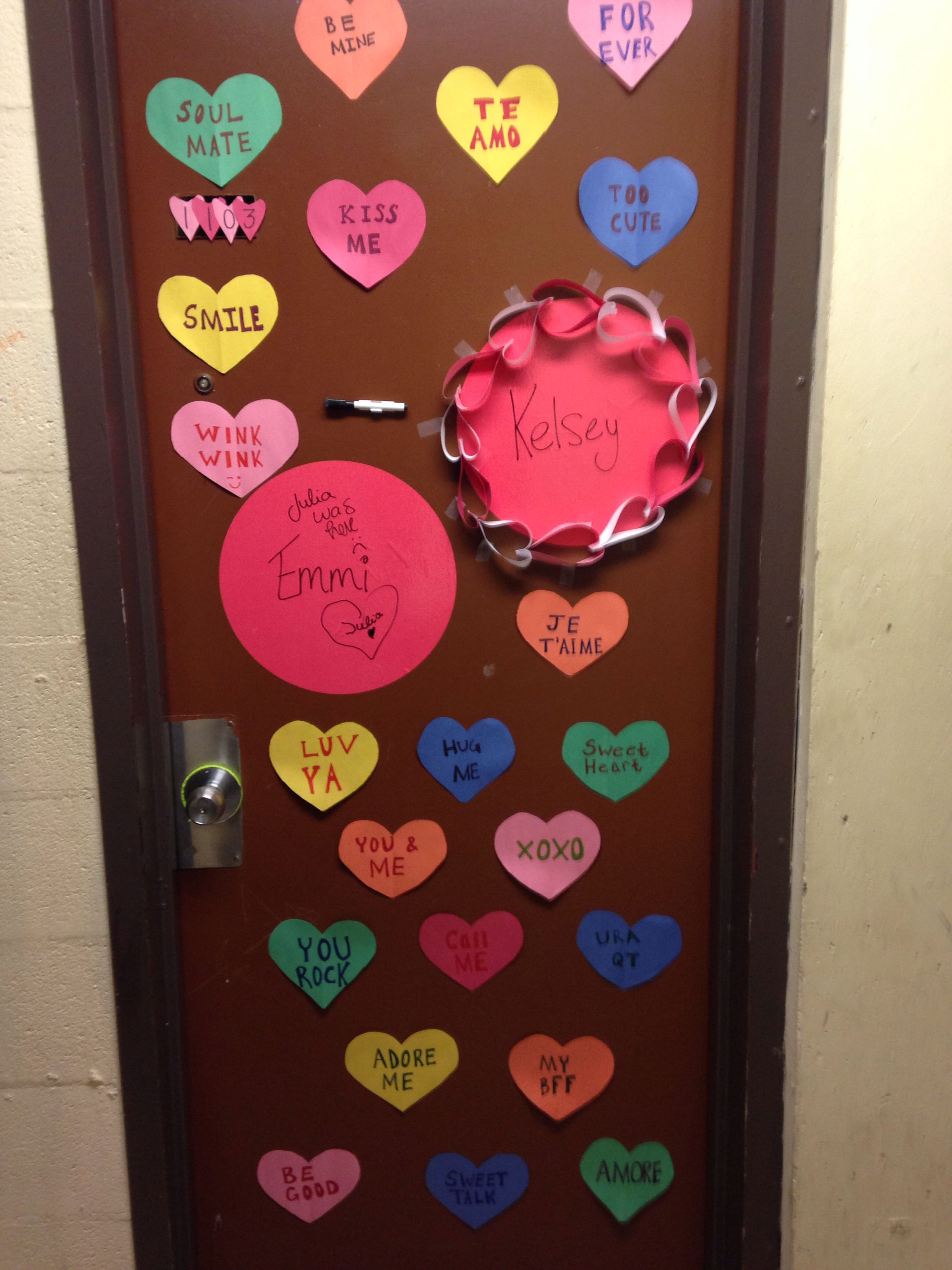 Diy Valentines Day Dorm Door Candy Hearts Diy Valentines Decorations Dorm Diy Dorm Room Diy