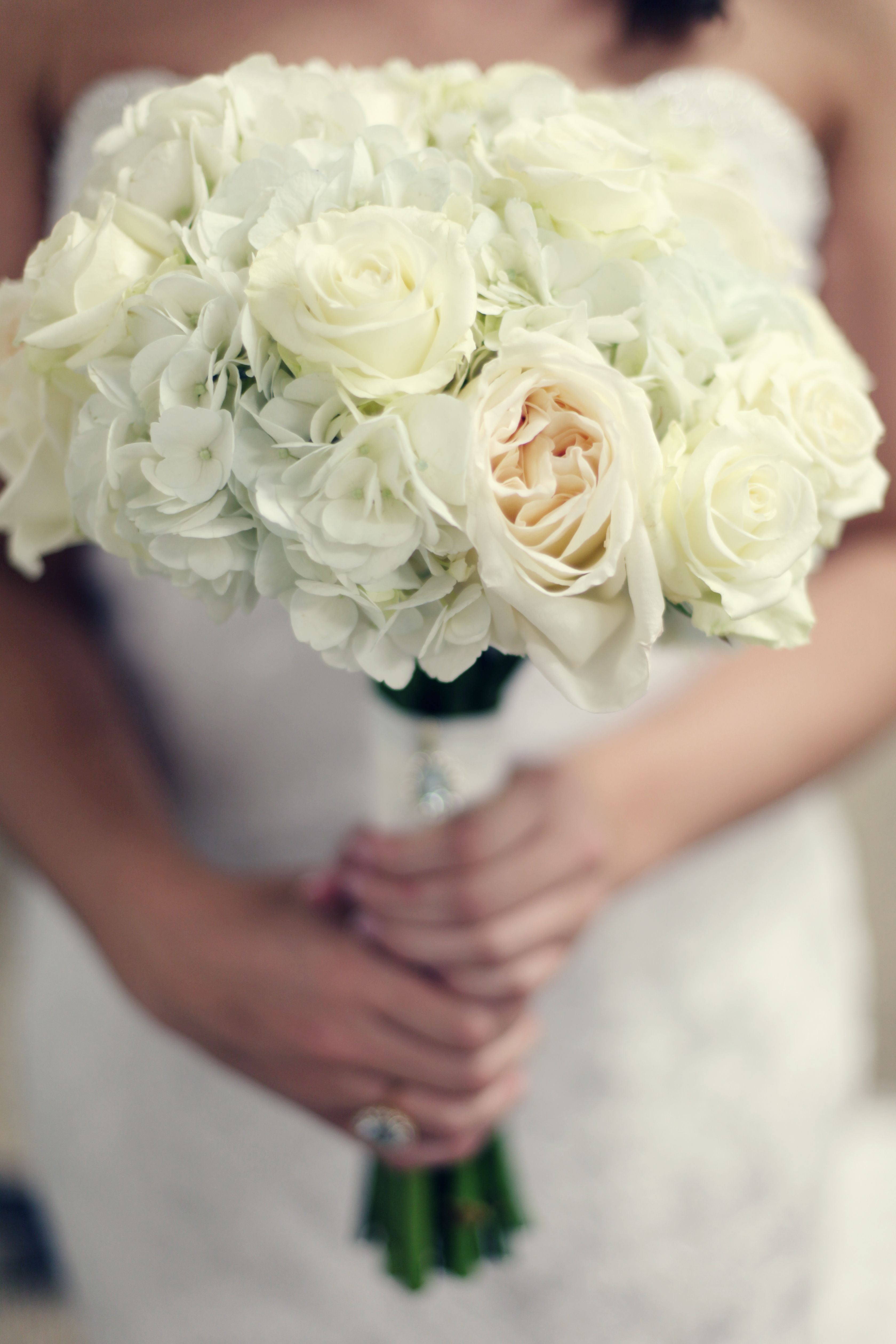bouquet white garden roses and hydrangeas
