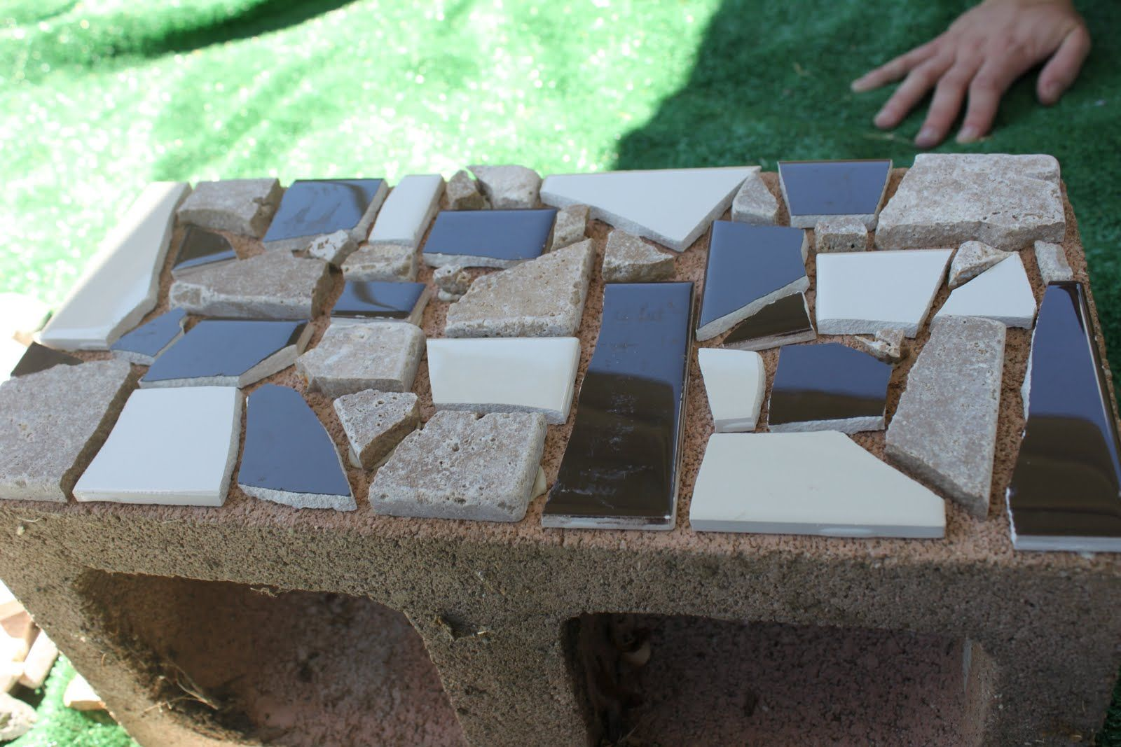 Cinder block mosaic garden box! What a great idea!