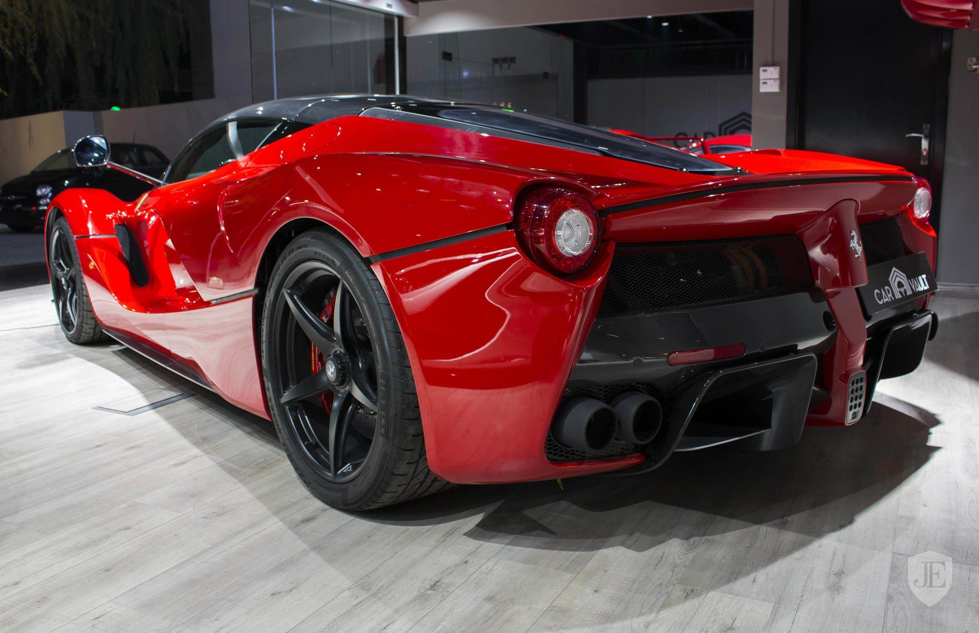 2015 Ferrari Laferrari In Dubai United Arab Emirates For Sale On Jamesedition Ferrari Laferrari Ferrari Luxury Cars