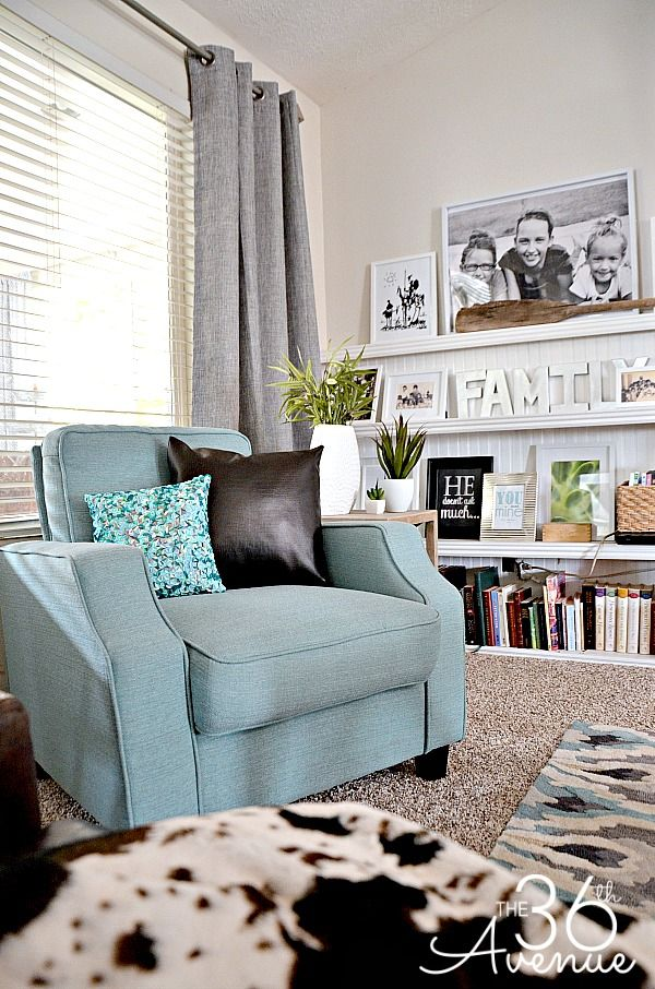 Living room decor and family room reveal decoracion para for Decoracion hogar living
