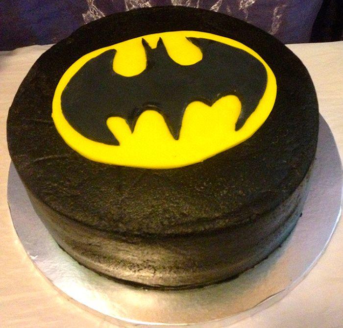 Batman-birthday-cake.jpg (700×669)