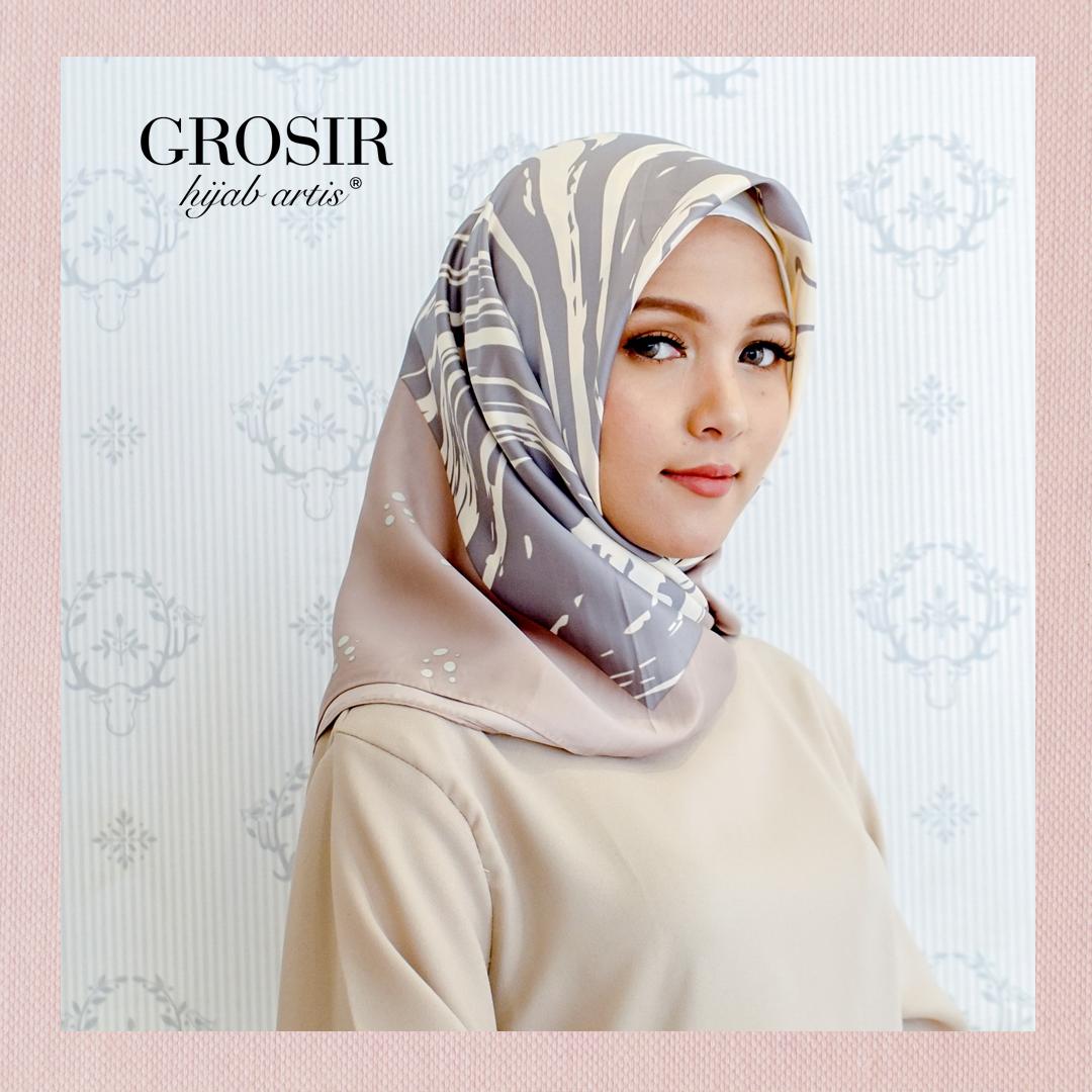 Limited Edition Hijab Kerudung Jilbab Segi Empat Ultrasatin Satin Jilbab Motif Heirani Part 1 Grosir Hijab Artis Satu Satunya Brand Kerudung Hijab Artis
