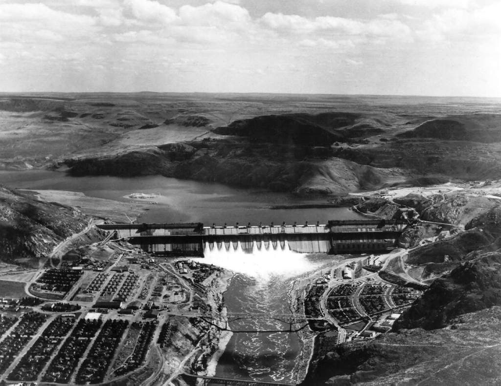 Banks & Roosevelt Old Photos Grand coulee dam, Coulee