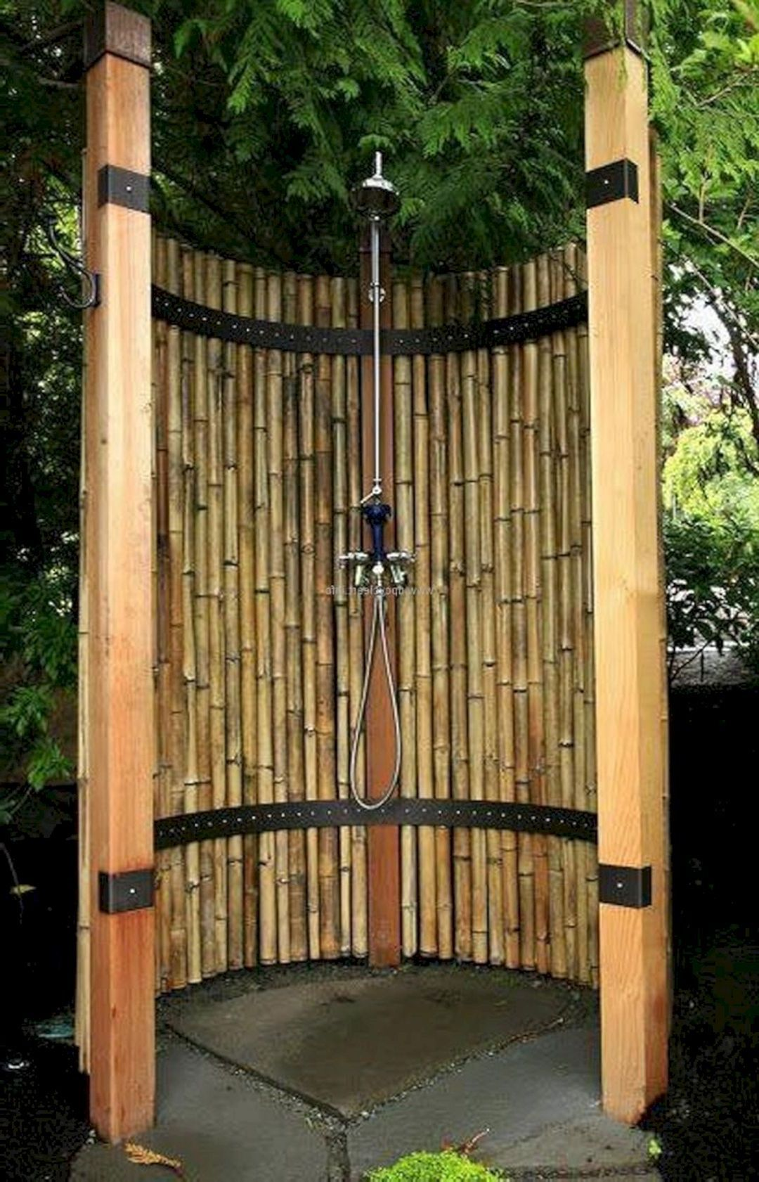 Amazing Outdoor Bathroom/Shower Ideas You Can Try In Your Home