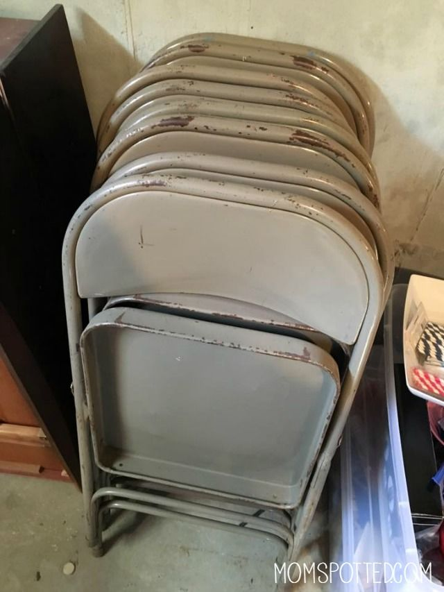 Do You Have Old Folding Chairs That Arenu0027t Fit For Use Sitting In Your  Basement? See Just How Easy It Is To Make Them Look New Again!