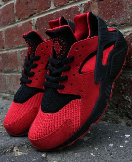 best website b738f 360a1 Nike Mens Air Huarache Qs University RedBlack Running Shoe