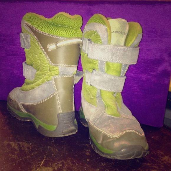 """Selling this """"Lands' End snow boots"""" in my Poshmark closet! My username is: justjessi. #shopmycloset #poshmark #fashion #shopping #style #forsale #Lands' End #Boots"""