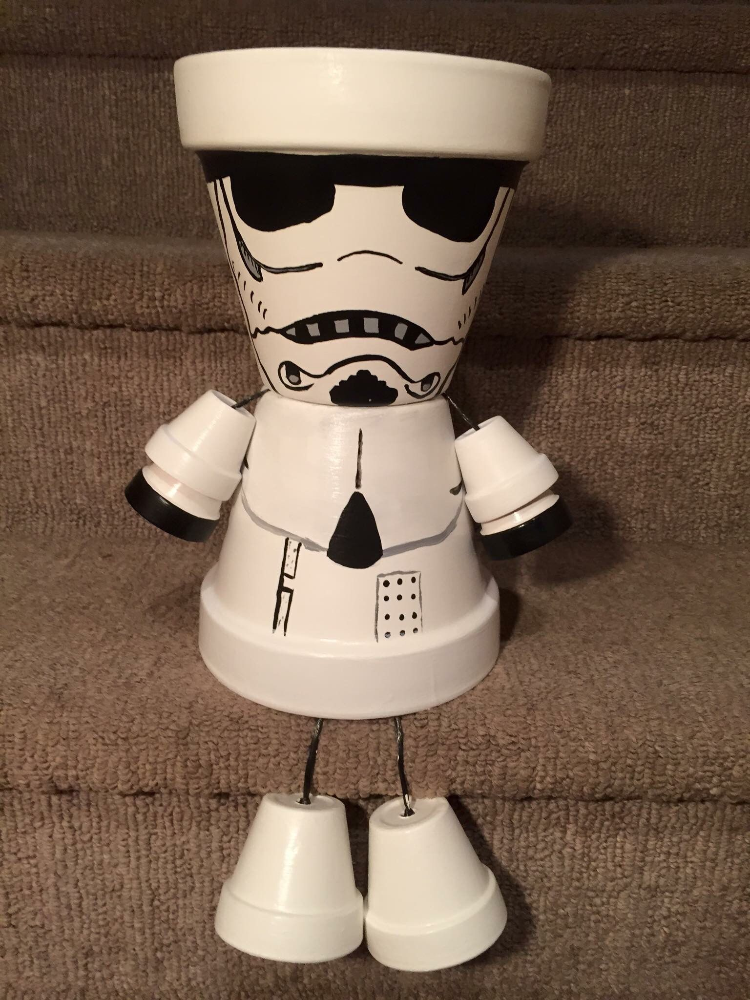storm trooper star wars pot people gartenaccessoires pinterest gonis geschenke basteln. Black Bedroom Furniture Sets. Home Design Ideas