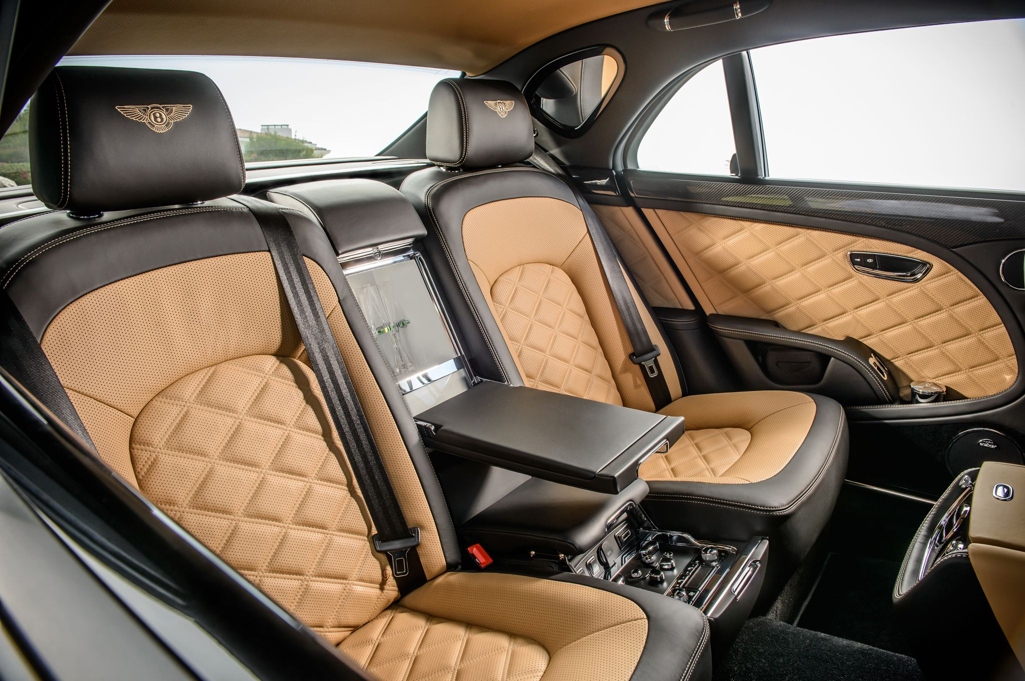 Leather Cover For Seat At Second Row With Sophiscticated Features
