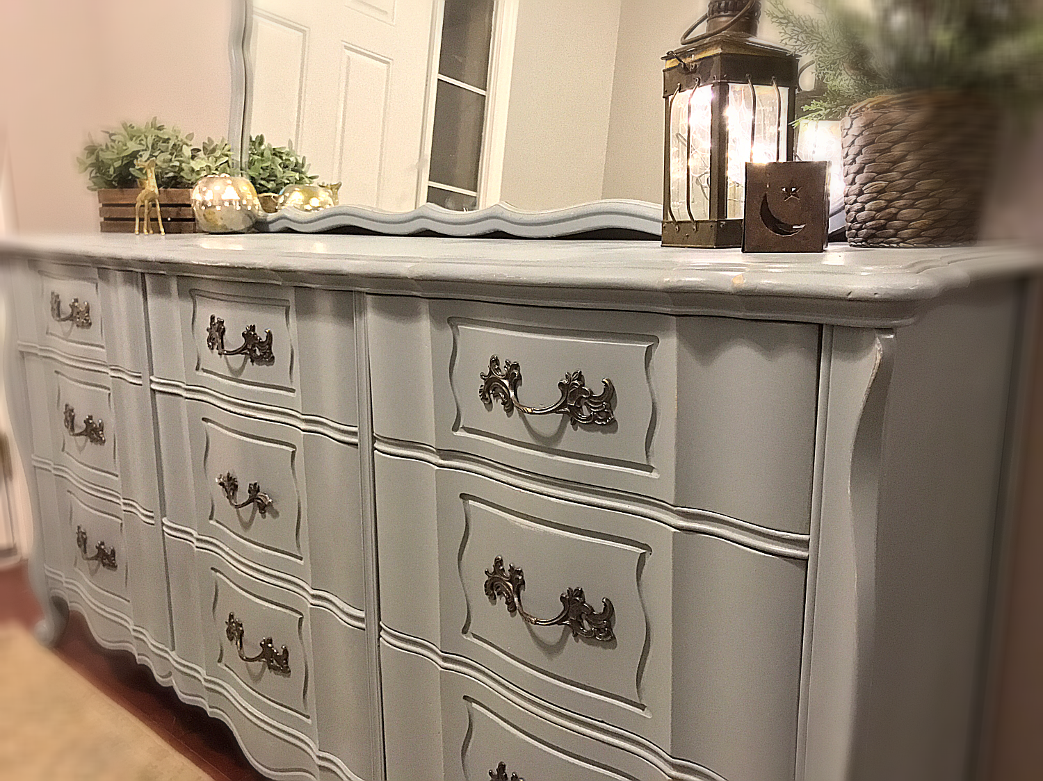 Holiday Sale Beautiful Iced Grey Lightly Distressed