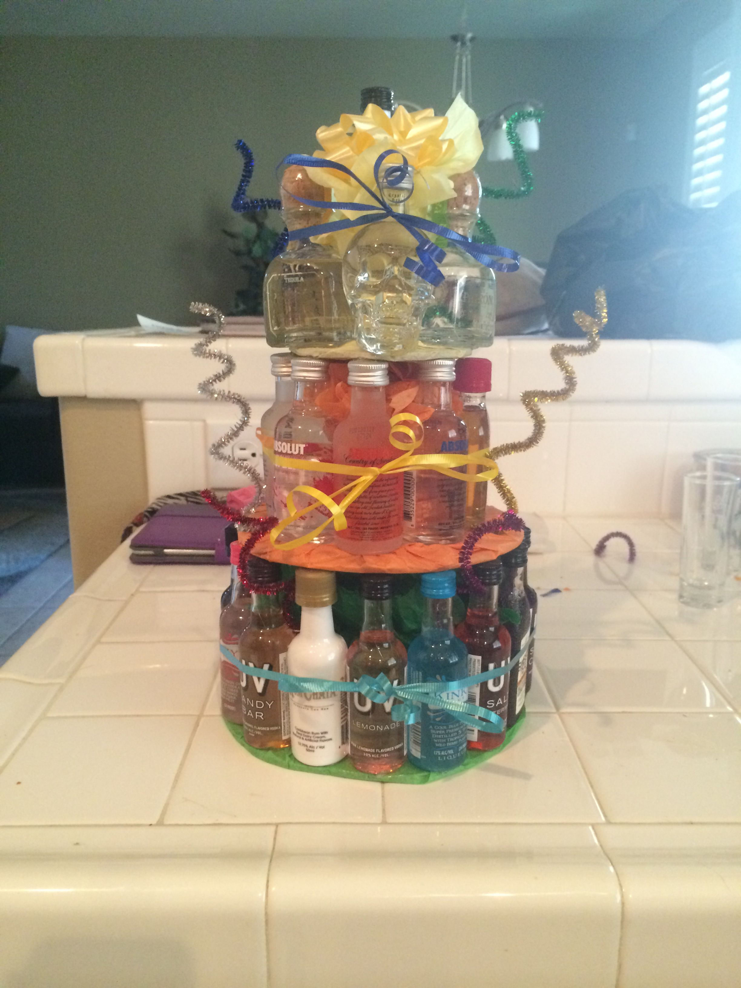 40th Birthday Presents For Her >> It's my friends 21st birthday, so I made her this cake ;) Mini alcohol bottles.   Eats ...