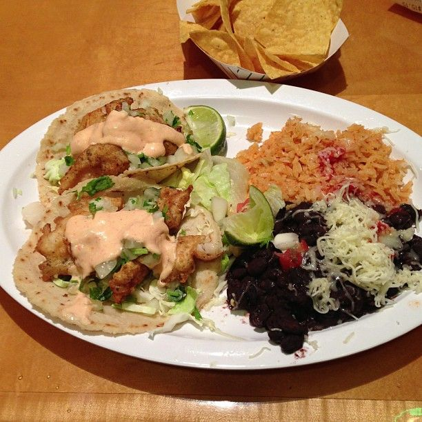 Poquito Mas Is A Mexican Restaurant In Los Angeles Ca Usa Popular With Mexican Restaurant Eat Places To Eat