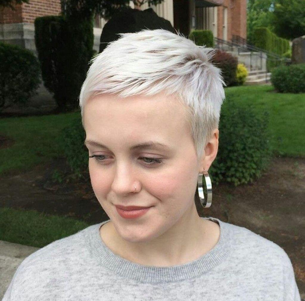 magnificient short pixie blonde