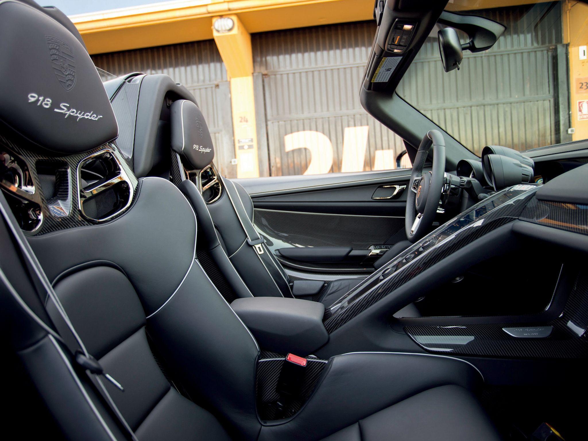 Charming 2014 Porsche 918 Spyder Interior   Http://carwallpaper.org/2014