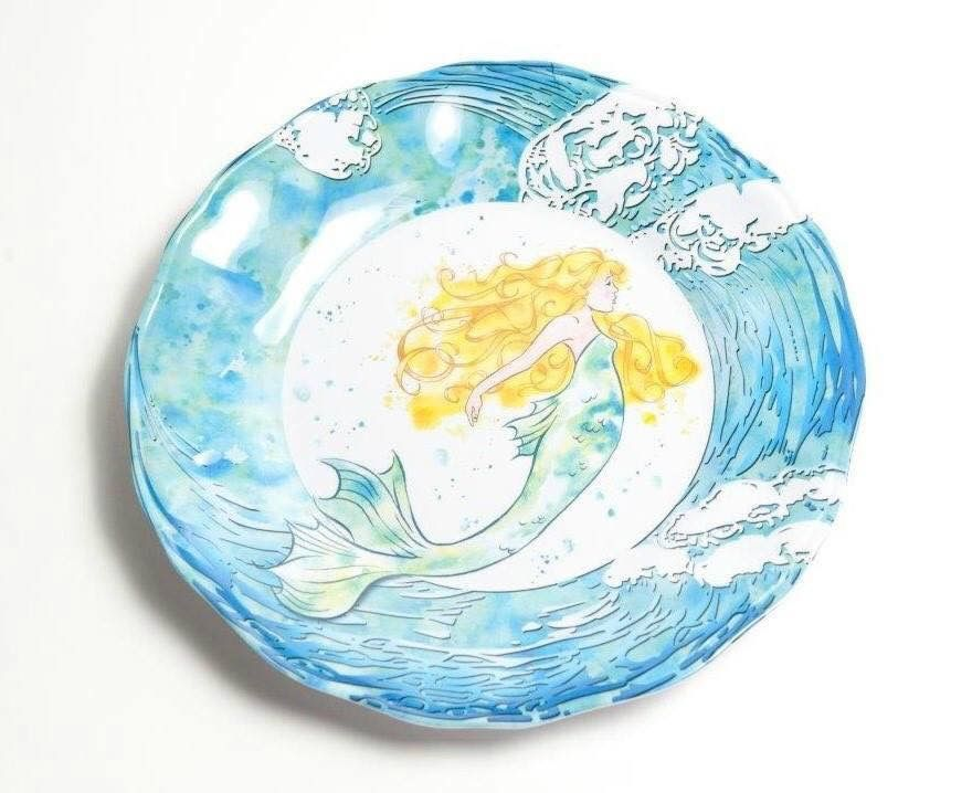 Add a little whimsy and coastal fun to your outdoor dining experience with a set of stunning Mermaid Dinner Plates. A stunning blonde mermaid   swims   in ...  sc 1 st  Pinterest & Pin by HAZEL on M*e*m*a*i*d*s ~n~M*o*r*e   Pinterest