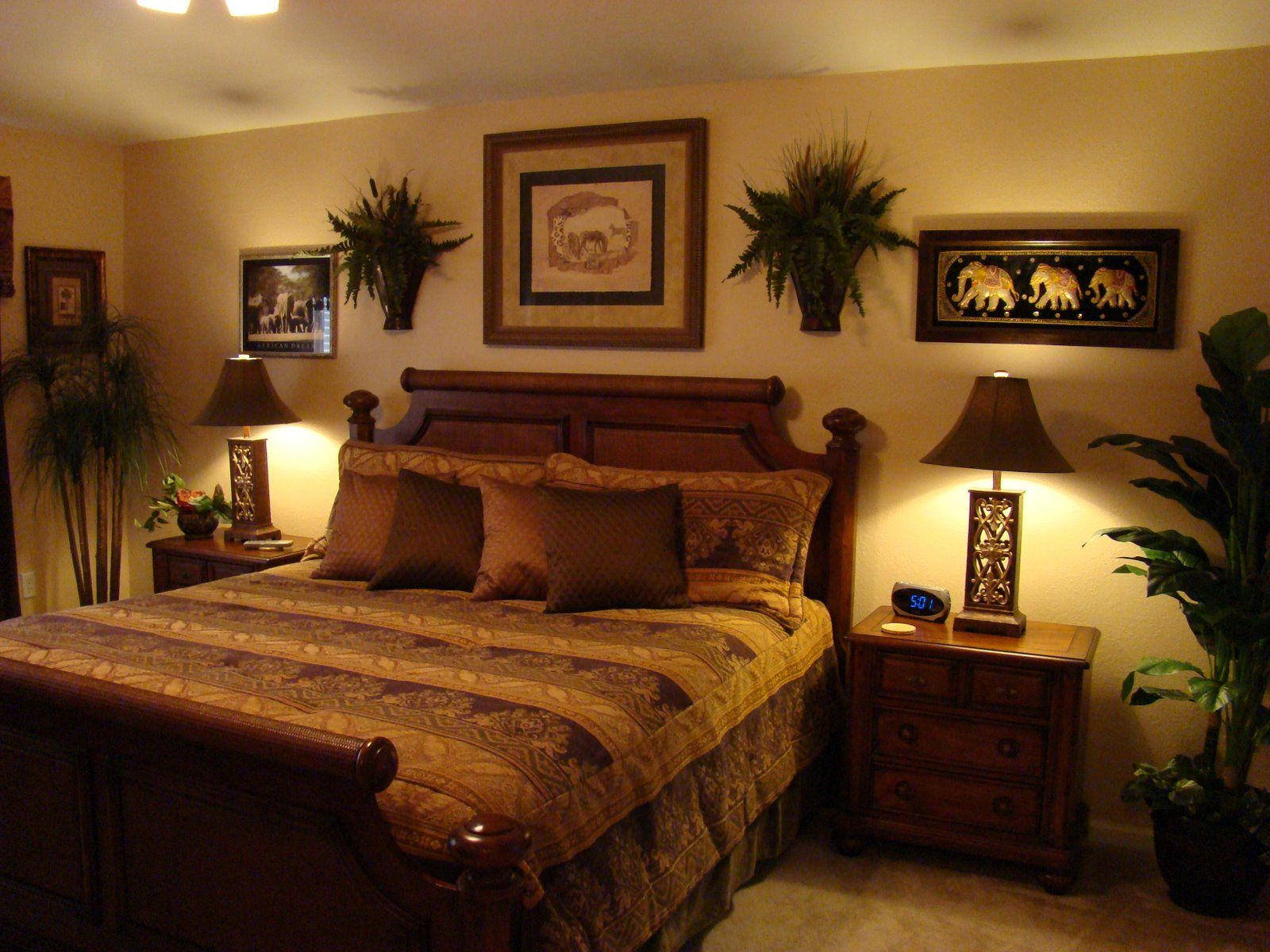 Master bedrooms master bedroom bedroom ideas for Paint color ideas for master bedroom